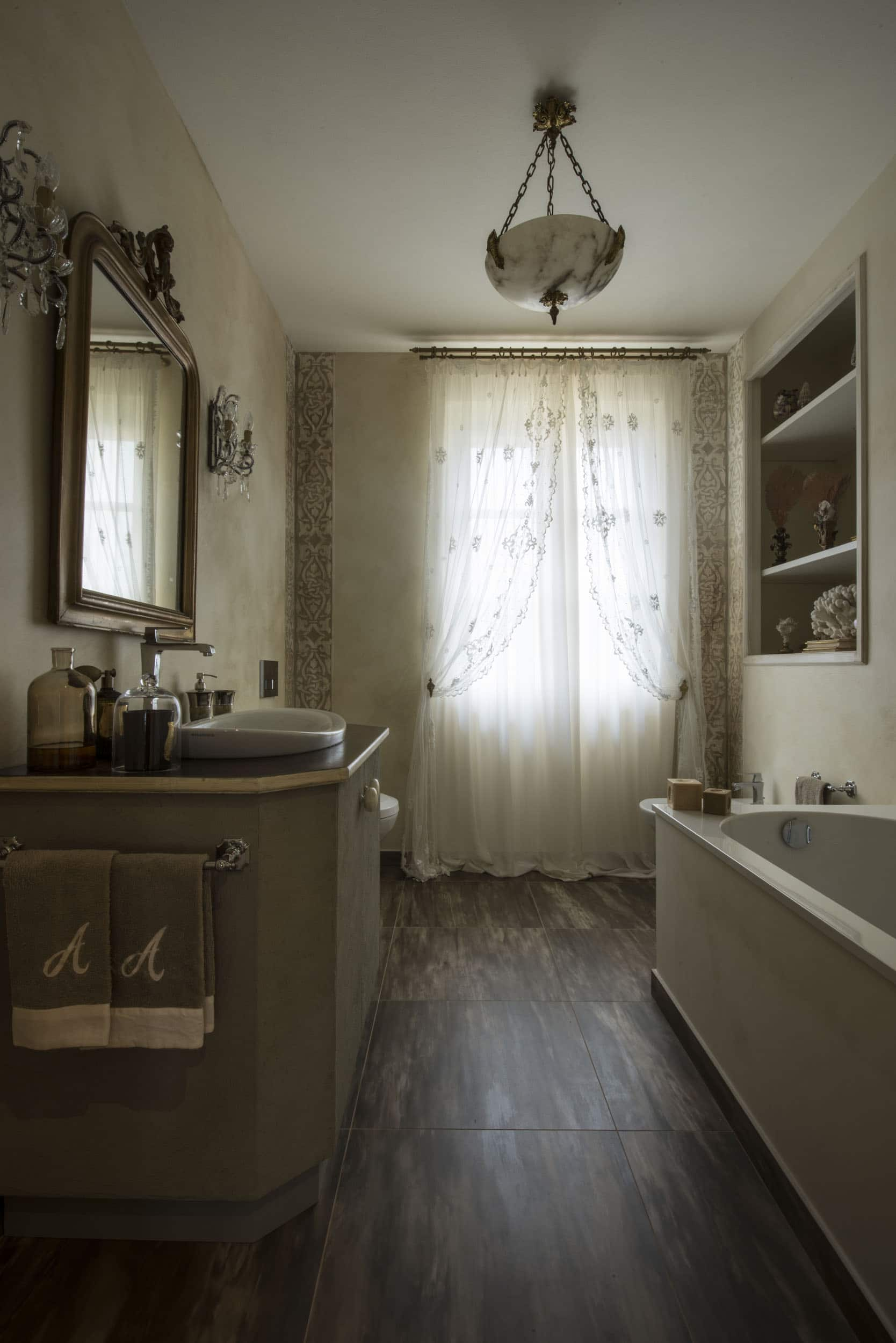 A bathroom by Quadrature Interiors