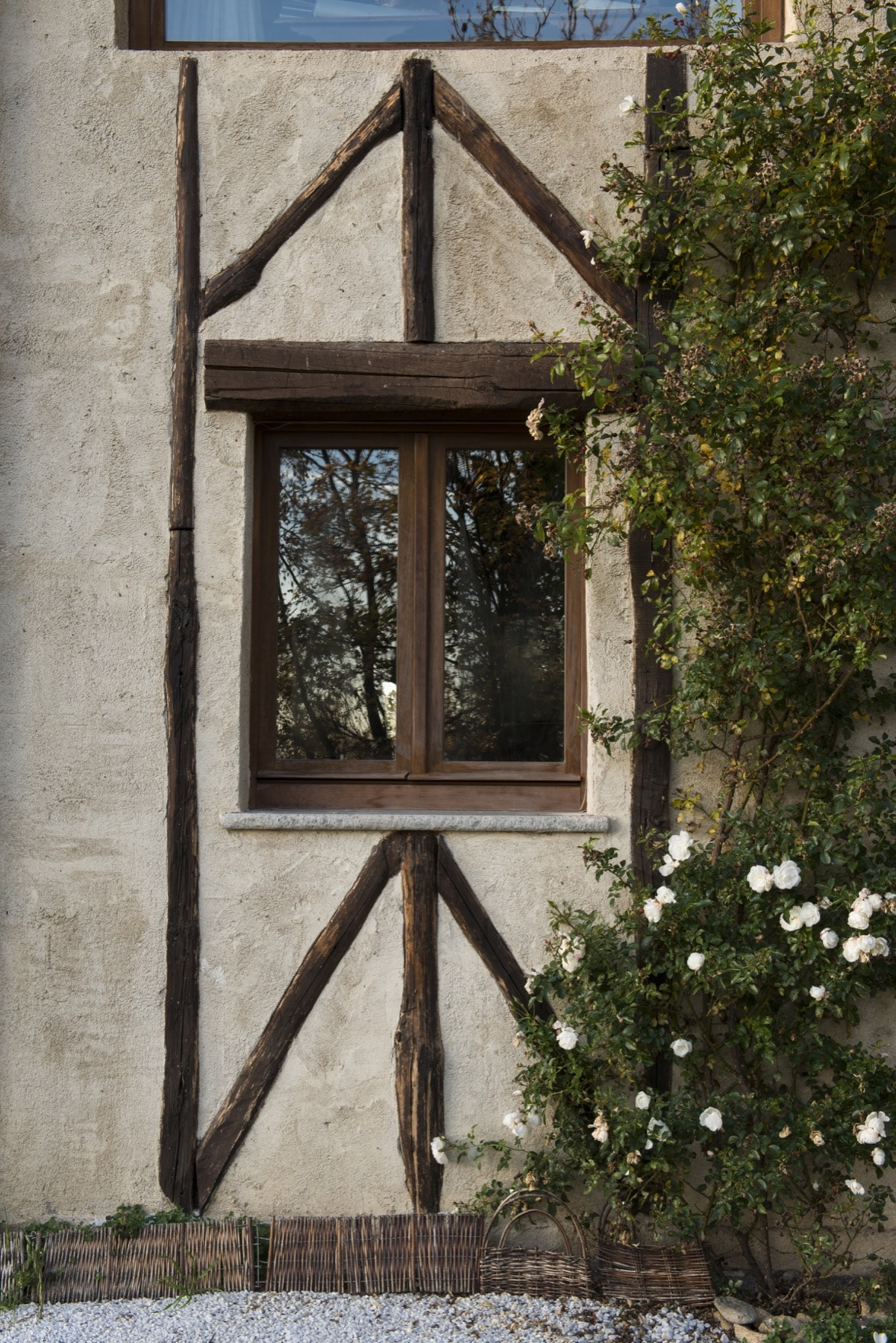 Detail of the exterior of Le Selve — Quadrature Interiors