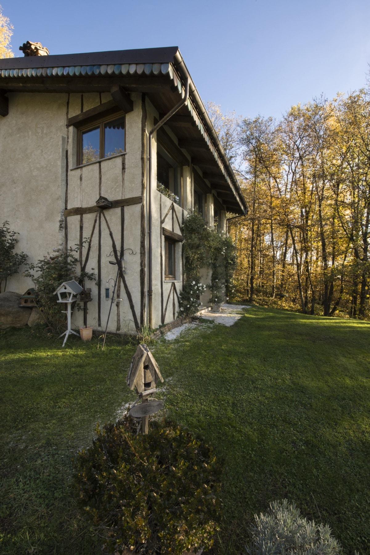 View of the exterior of Le Selve — Quadrature Interiors