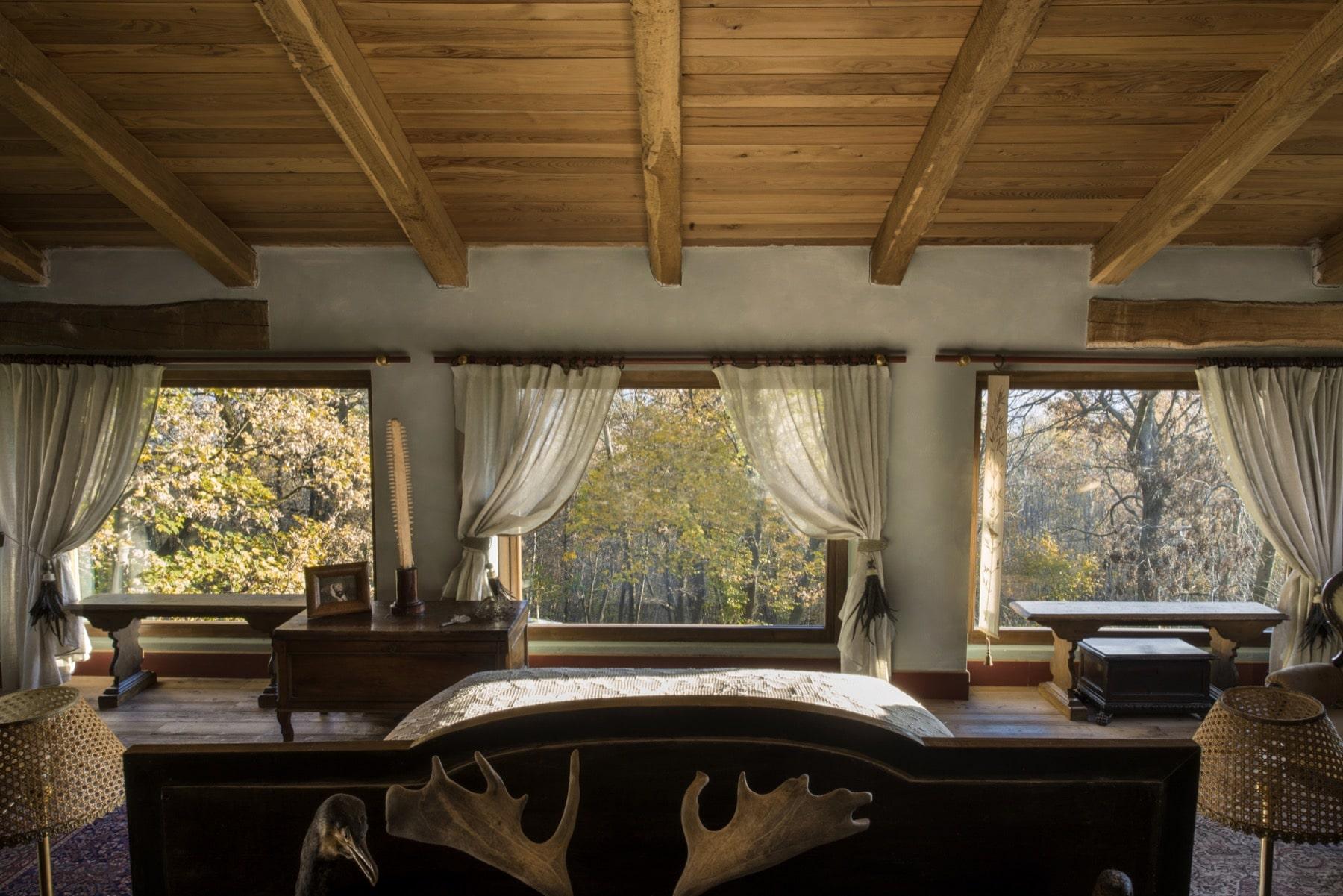 Master bedroom of Le Selve — Quadrature Interiors